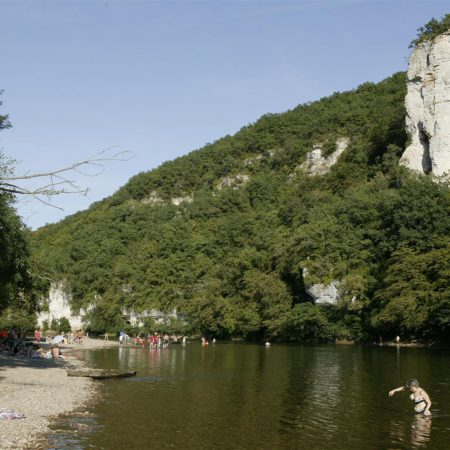 camping bord de rivière en dordogne